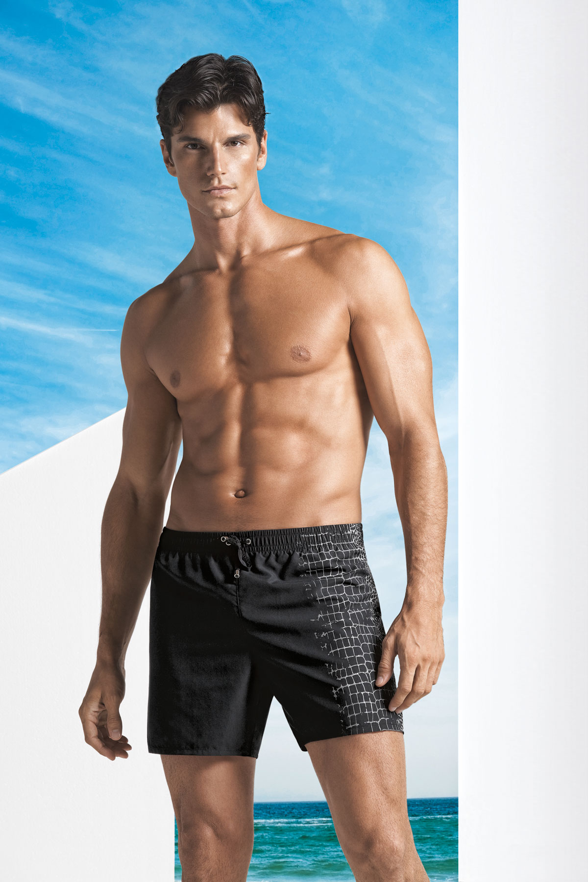 l 39 effet des v tements maillots de bain homme luxe. Black Bedroom Furniture Sets. Home Design Ideas